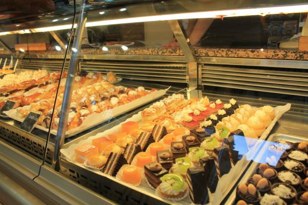 バスク サンセバスチャンの有名お菓子屋さん オイアルツン