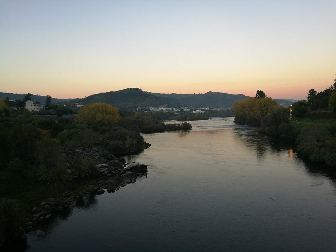 オウレンセ 温泉 ミニョ川
