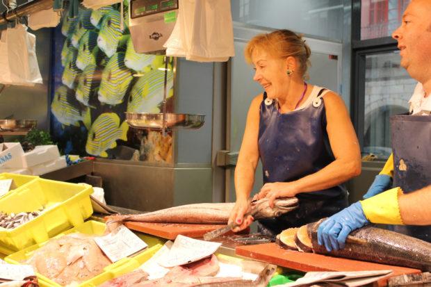 ビルバオ 市場 魚屋さん