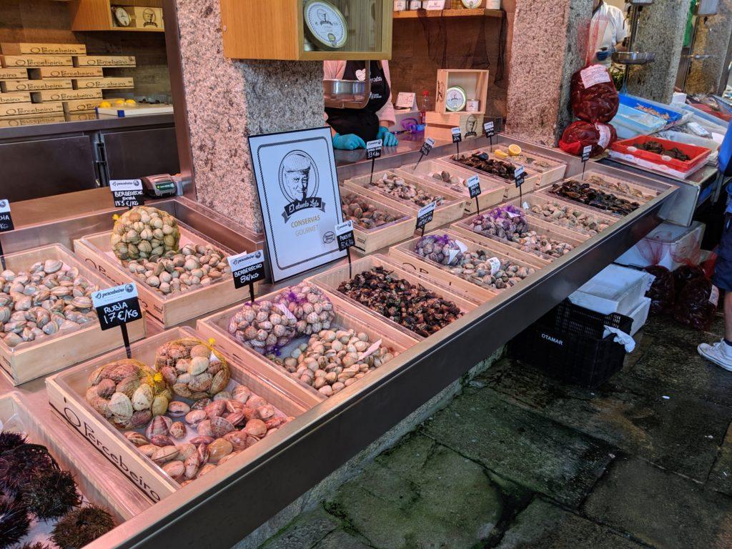 サンティアゴ・デ・コンポステーラ 市場 貝