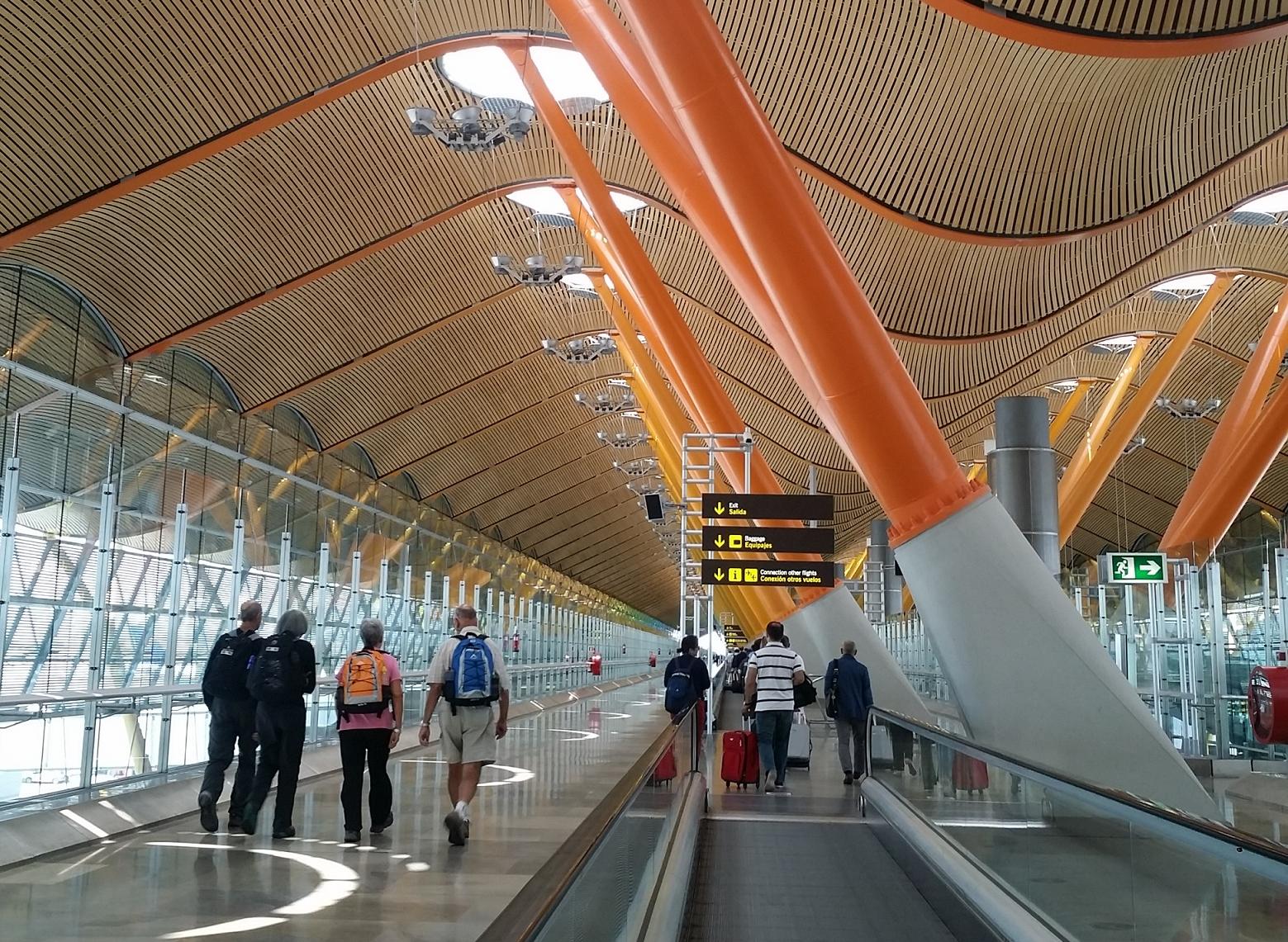 スペイン空港スト ニュース